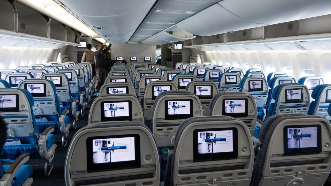cathay pacific economy review 2016
